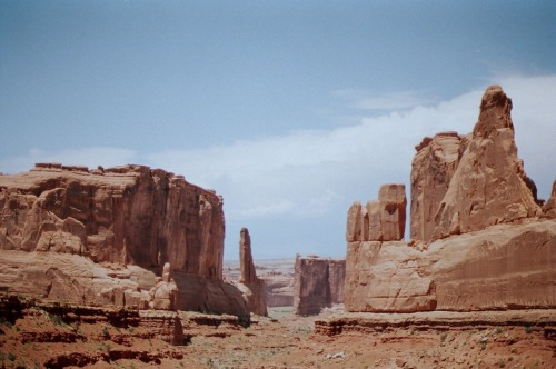 universal-wanderer:  hillsremoved:  Arches national park, UT  My most favorite place