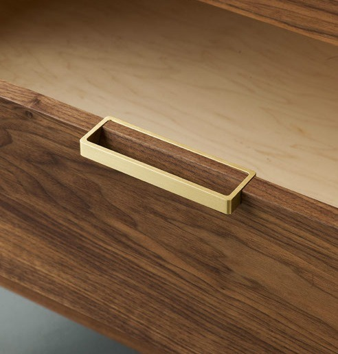maxenrich:  Alice Tacheny Design, Tilde Dresser, brass handle detail