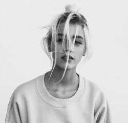 hair girl Black and White sweater hipster Model blonde messy
