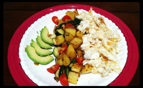 Scrambled eggs (1egg+whites), roasted potatoes with zucchini, onion, spinach, and tomatoes, sliced avocado.