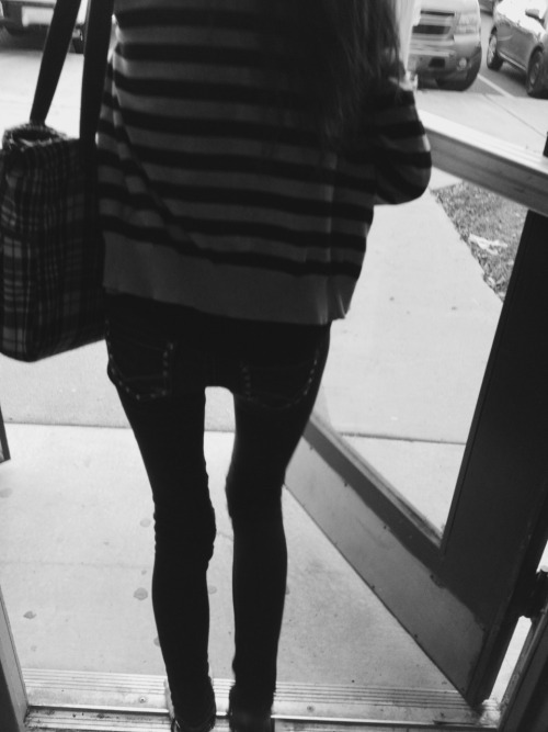 thin-and-slender:  I secretly took creeper pictures of this girl at my school that has the thinnest legs ever! I'm so jealous! :(