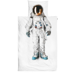 nevver:  Astronaut pillow and duvet cover