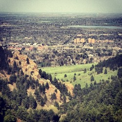 tequilaandthebeach:  Boulder, you are beautiful! #Boulder #hike #gregorycanyon #missit #vacation #gorgeous