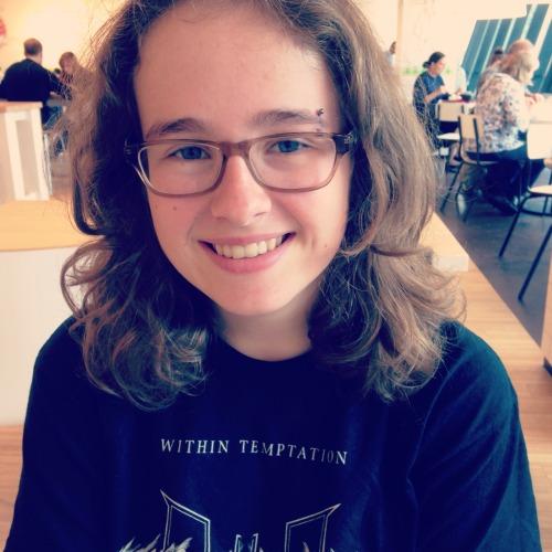 charlottekos:  So I got my eyebrow piercing today :)