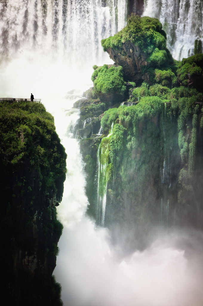 fornicating:  Cataratas by David Rochas