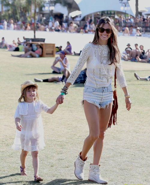 dreamzandnightmarez:  Alessandra Ambrosio and her daughter Anja at the 2013 Coachella Music Festival.