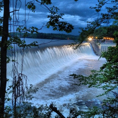 Lookout Dam in Catawba, NC #flood #ncwx #nc #catawbacounty (at Lookout Dam)