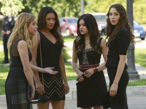 The Pretty Little Liars are back in black in this sneak peek from the summer premiere! REBLOG if you're also having major pilot déjà vu!!!