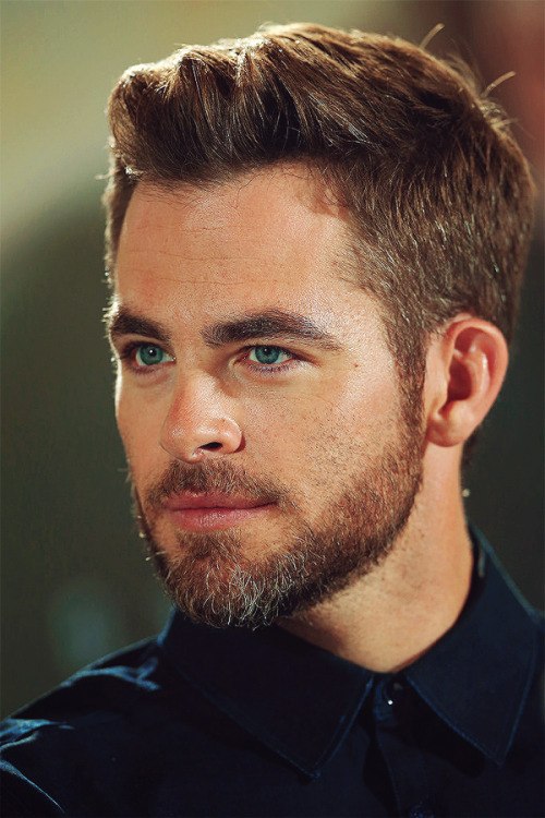 Chris Pine → Into Darkness Press Conference; Berlin, Germany [source]
