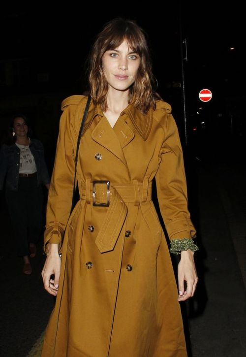 alexa chung trench coat long bob fringes 2017 alexachung after party event 2017