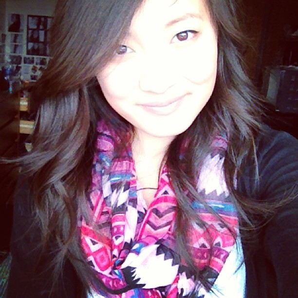 Feeling pretty today :) #prettyful #tribalscarf #curls #bright