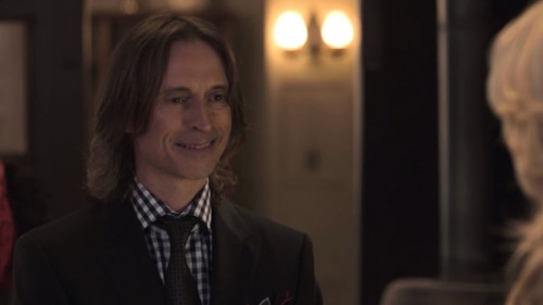 tardisbluebelle221:  OUAT One Smile Per Episode—Pilot Mr. Gold/Rumplestilitskin