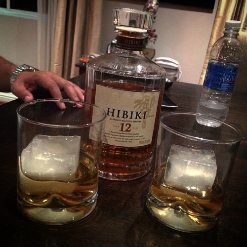 Drank a few glasses of #hibiki 12 yr #japanese #whisky for my cousin's bday. Thanks again to @stickyicons for the #whiskey on my bday. #liqour is always a great gift you can share with family and friends  (at Pancit Palace)
