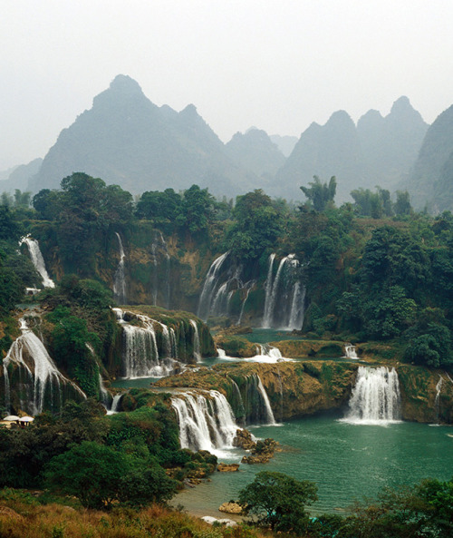 Amazing Waterfalls Around the World | Detian Falls, China and Vietnam