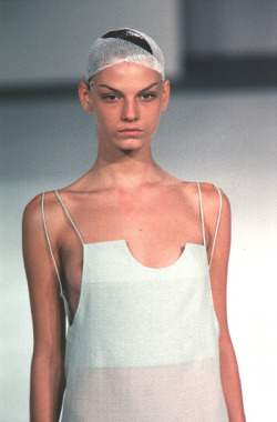 lightfeathers:  Hussein Chalayan SS99