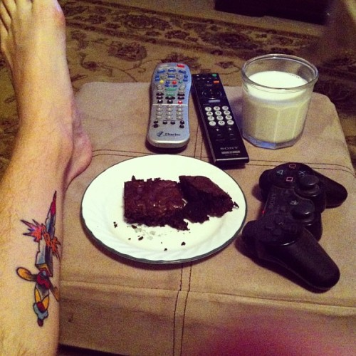 longhairnopants:  Doesn't get much better than this #brownie #videogames #tattoo #milk #relaxation