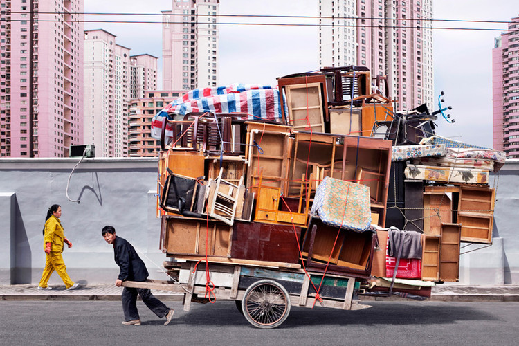 (via 2 | Look At These Chinese Workers Carrying Mind-Blowing Amounts Of Stuff | Co.Exist: World changing ideas and innovation)