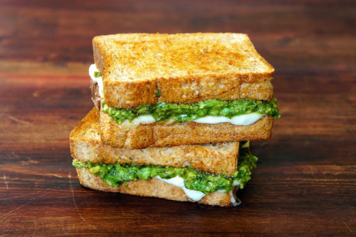 gettingahealthybody:  jubafood:  Avocado Pesto Sandwich   Mmmmmmm!