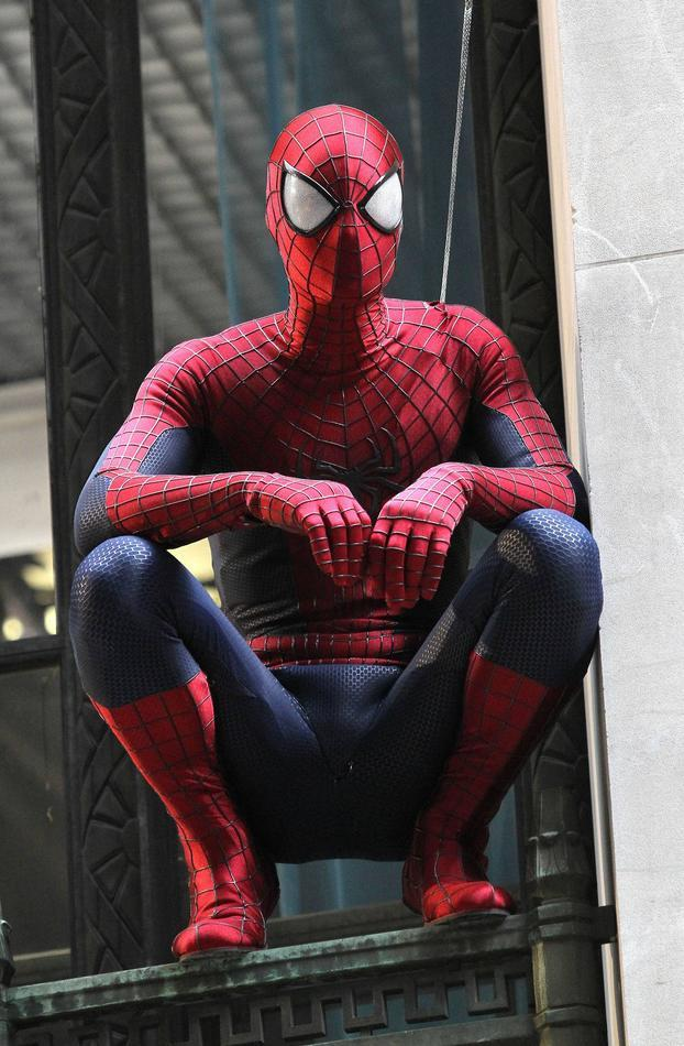 noephotos:  The new suit looks awesome.