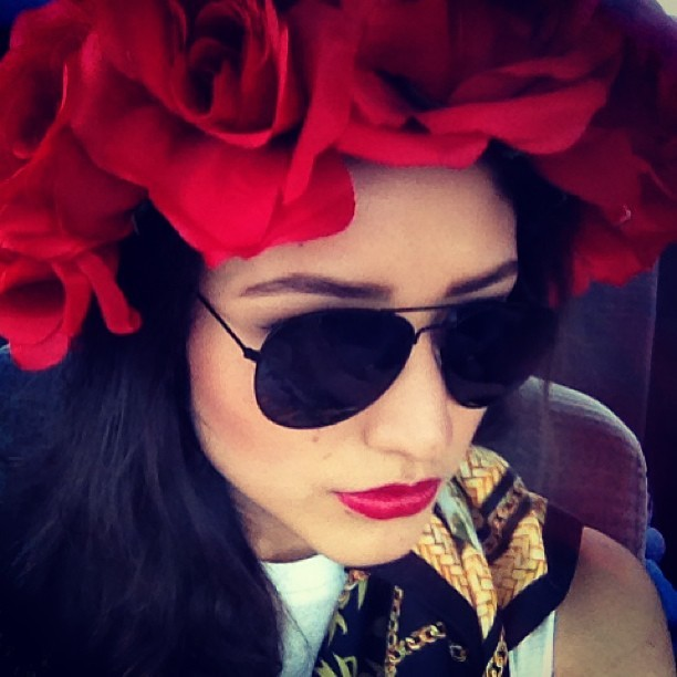 Loving my all around red roses #flowercrown. ❤💋 #BeyondDalliance
