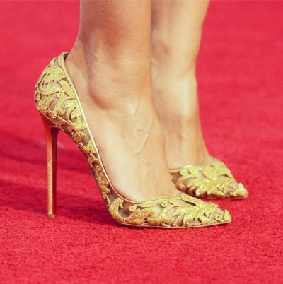 heelchorus:  » Christian Louboutin x Alexandre Vauthier Couture Gold leaves stiletto pumps, F/W 2012. [Image: redcarpet-fashionawards]