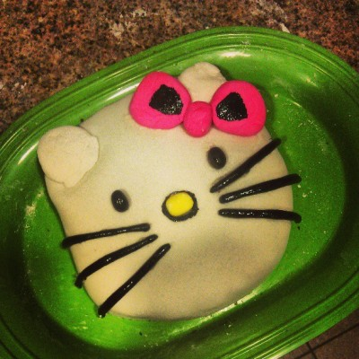 #hellokitty #cake #wetried #funtimes #bonding #notthatbad #outofpractice