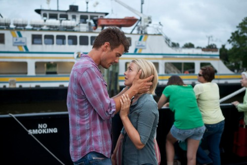 MOVIE REVIEW: Safe Haven Proves That Nicholas Sparks Totally Got Lucky With The Notebook