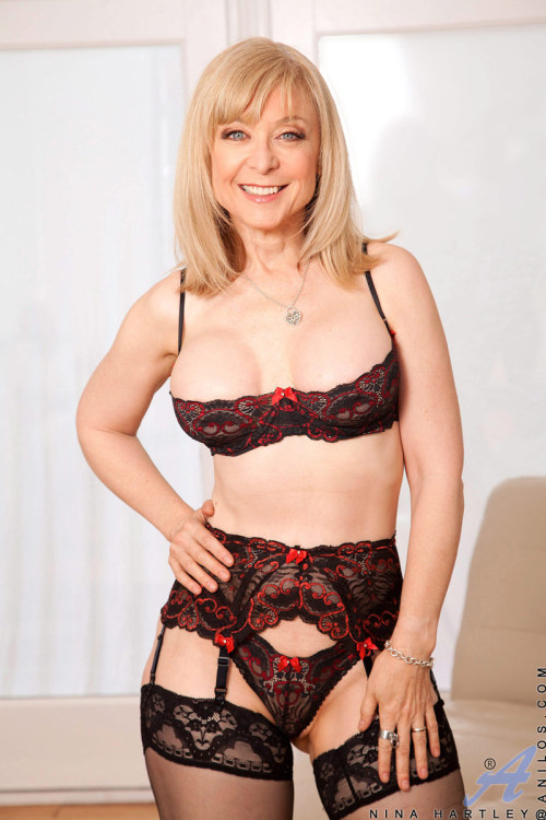 The ultimate MILF…..Nina Hartley, the expressions on her face as she gets pleasured, are the best