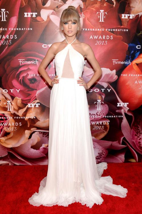 taylor swift fragrance foundation awards