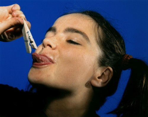 stray-souls:  Bjork by Kevin Cummins, 1993