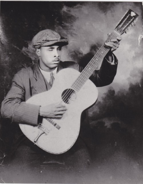 child-of-clay:  And I know no one can sing the blues like Blind Willie McTell Happy 115th Birthday! (May 5th 1898) x