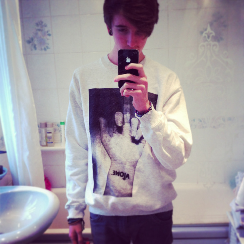 got my unreleased alone jumper yhhhhhhhhhhhh