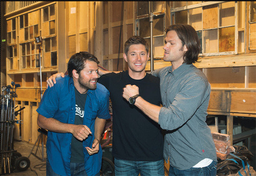 all-hale-hoechlin:  Misha, Jensen and Jared - behind the scenes