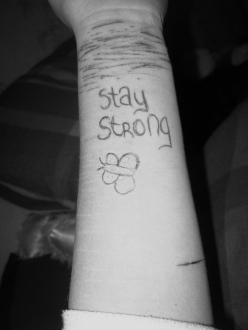 lenorawr:  self harm awareness:-) keep fighting<3