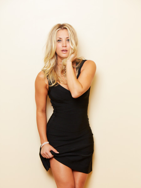 digg3r:  kaley Cuoco | Little black dress