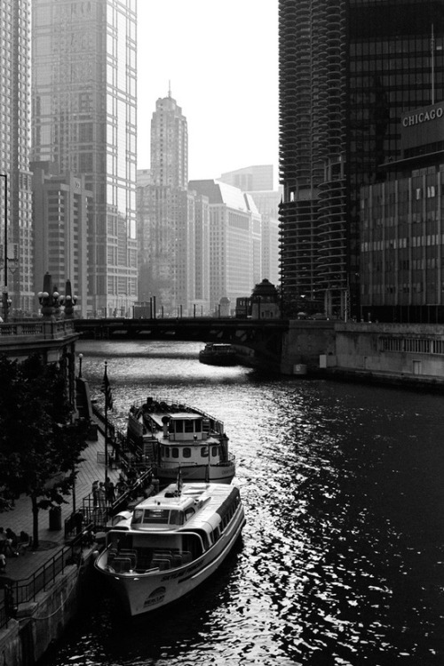 everythingandsome:  Chicago Riverwalk