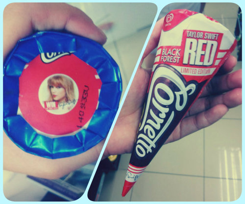 So I went to buy this one, then while I was paying.. Biglang nagplay yung Red-Taylor Swift. Aww. 😀ღ PUUUUHHRFEECCT  Just.. PERFECT!  ‪#‎TAYLORSWIFT‬