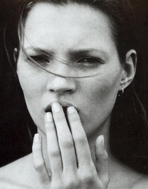 """Calvin Klein parfum obsession"" - Kate Moss by Mario Sorrenti for Vogue US, February 1995"