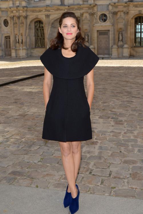 dailyactress:  Marion Cotillard - Christian Dior show in Paris 09/26/14