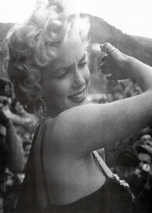 Many of the Soldiers who had come to see Marilyn had walked over ten miles and they gave her a rapturous welcome. While she was in Korea, many of her performances were filmed and the footage was later put together to create a documentary, which she narrated.