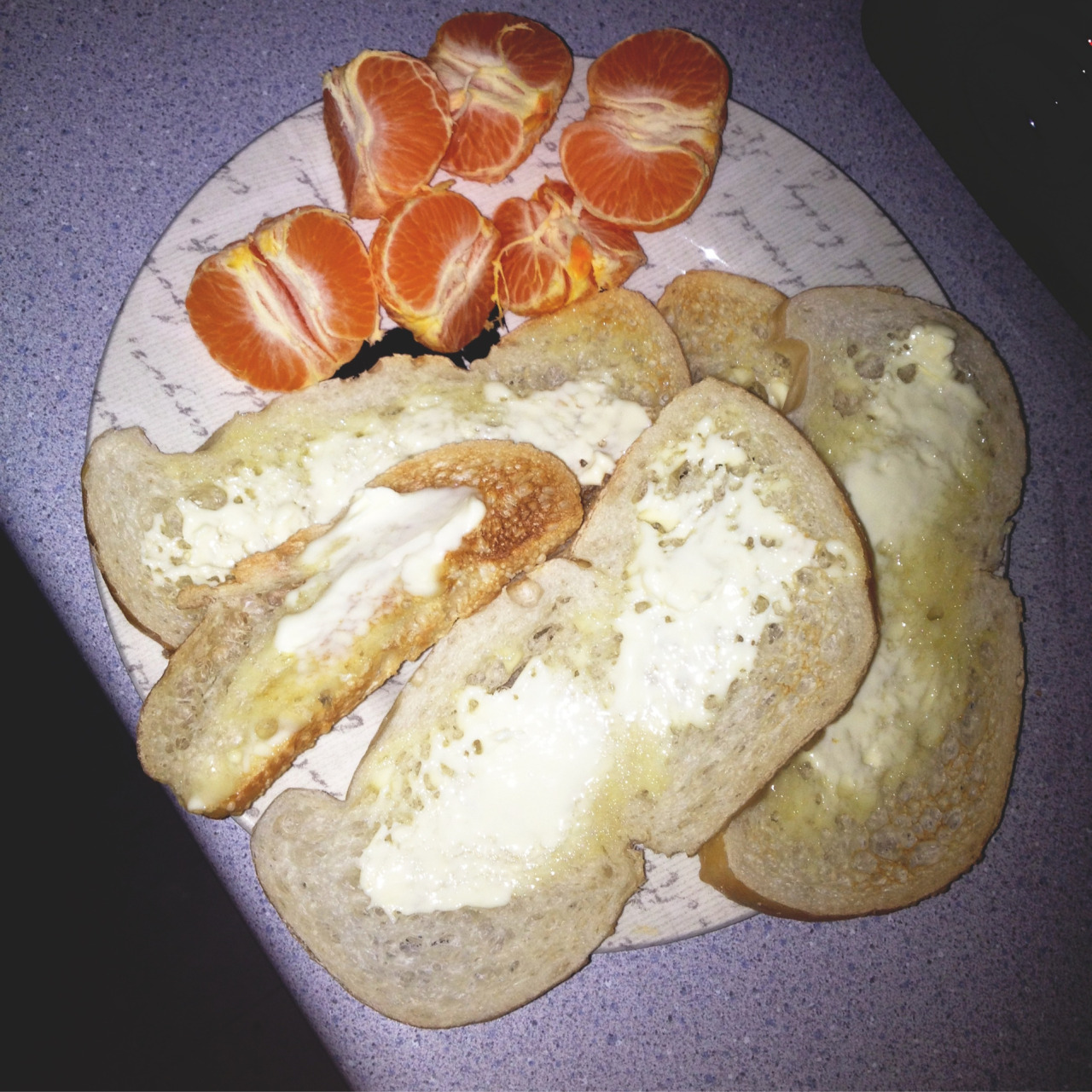 Munchie snacks last night: clementines with butter n' bread