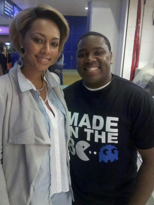 kerikrew:  Keri Hilson with a fan.