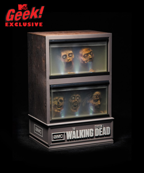 "Holy floating zombie head! You guys gotta see this ""Walking Dead"" limited edition season 3 Blu-ray case!"