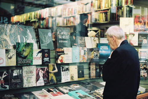 closings:  Unity Books by ahnheesung on Flickr.