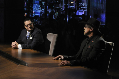 Penn and Trace chat with Jimmy Fallon tonight on Late Night!