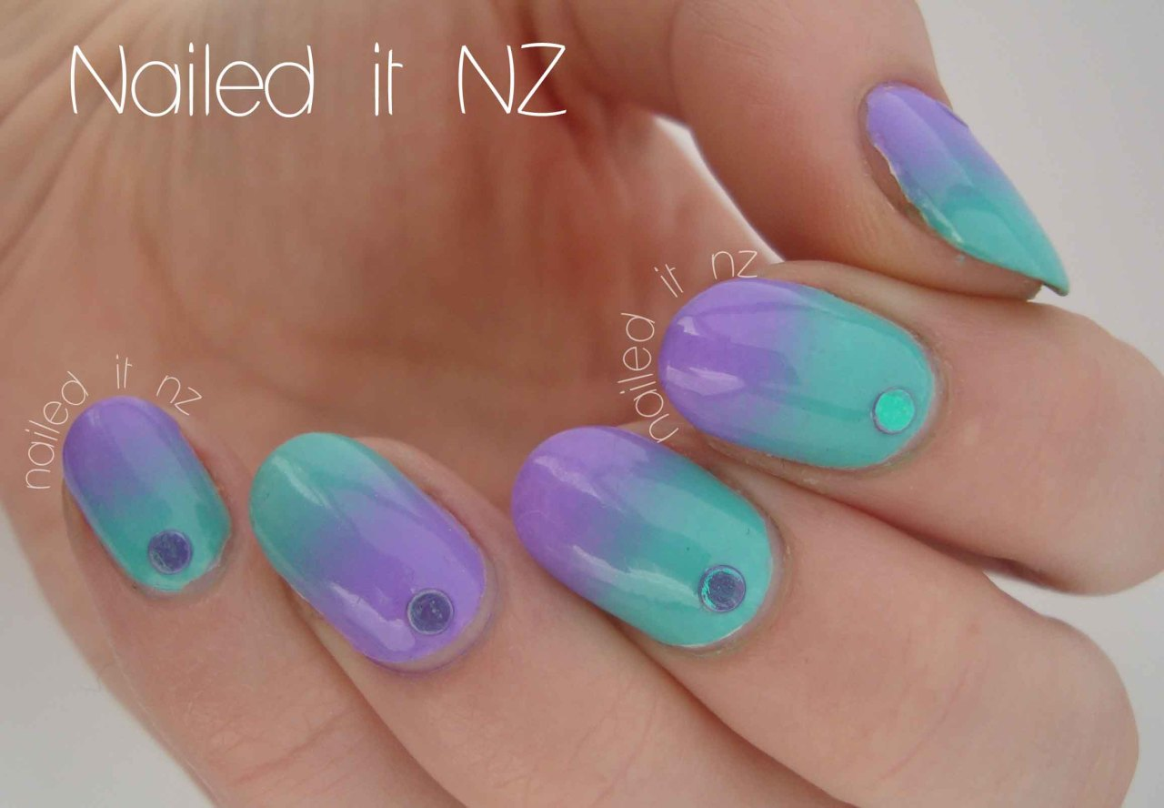 naileditnz:  How gorgeous is this? I reviewed some gorgeous glitters from KKCenterHk and decided to also do a gradient with the colours that make up the duo-chrome glitters! See where you can buy these glitters, plus more photos here!