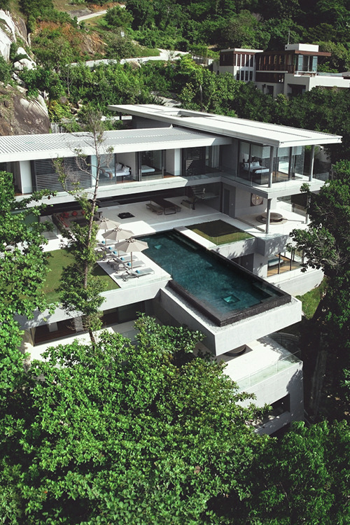 teamfytbl:  Villa Amanzi | Source | More  naps by that pooool.