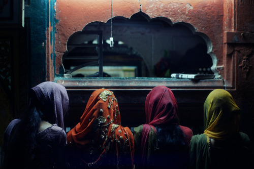 thingssheloves:  Hazrat Nizam-ud-din Dargah by lukas kozmus ▲ on Flickr.