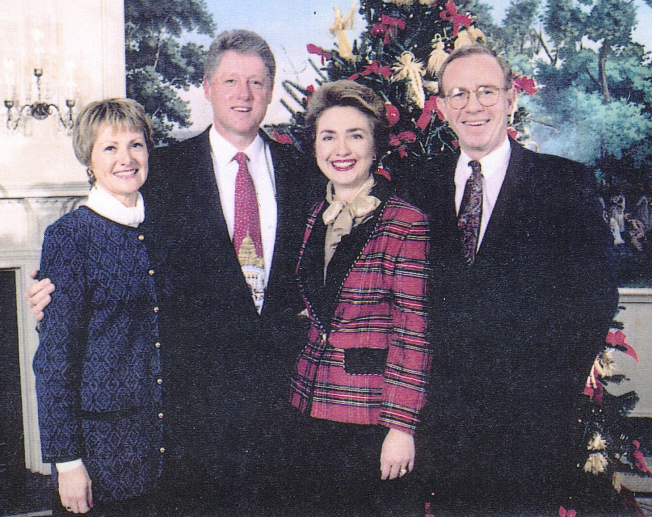 Mary Leonard and her husband Gregg Ramshaw with the Clinton couple