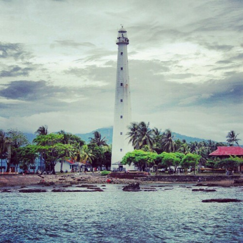 Light House #indonesia #anyer #instanesia #instago #instahub #instadaily #instanaturelover #lighthouse #vacation